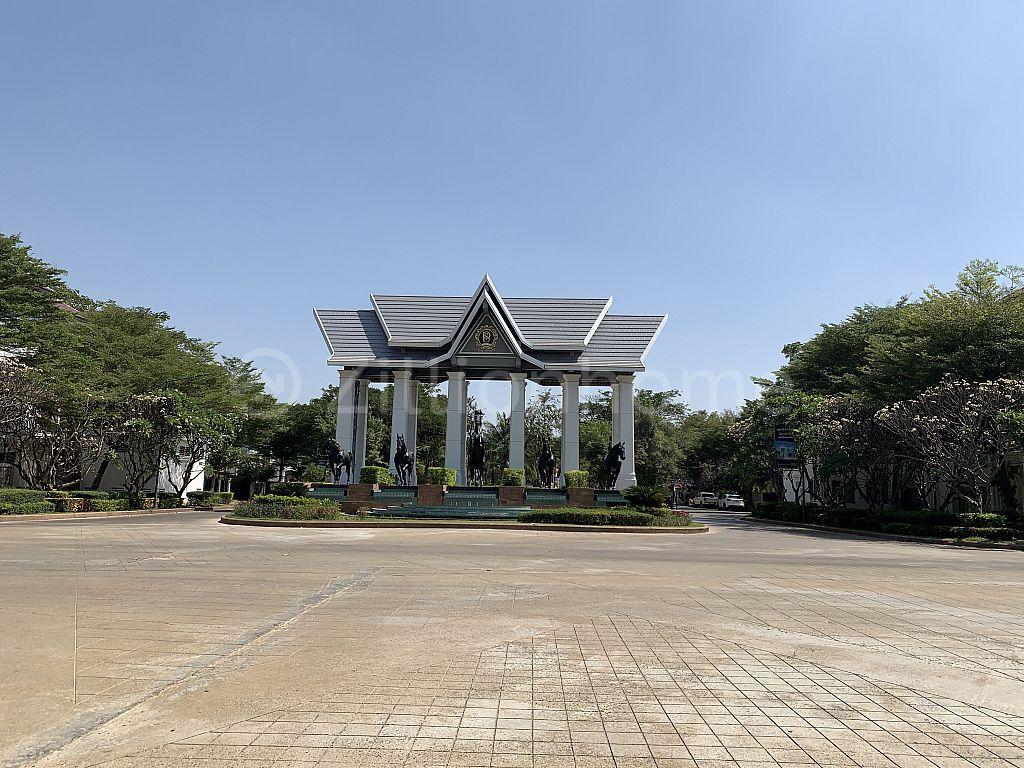 ផ្ទះវីឡាទោលប្រភេទឃ្វីន នៅបុរី Penh Huot The Star Premium ផ្លូវ 598 (ផ្លូវ ជា សុផារ៉ា)