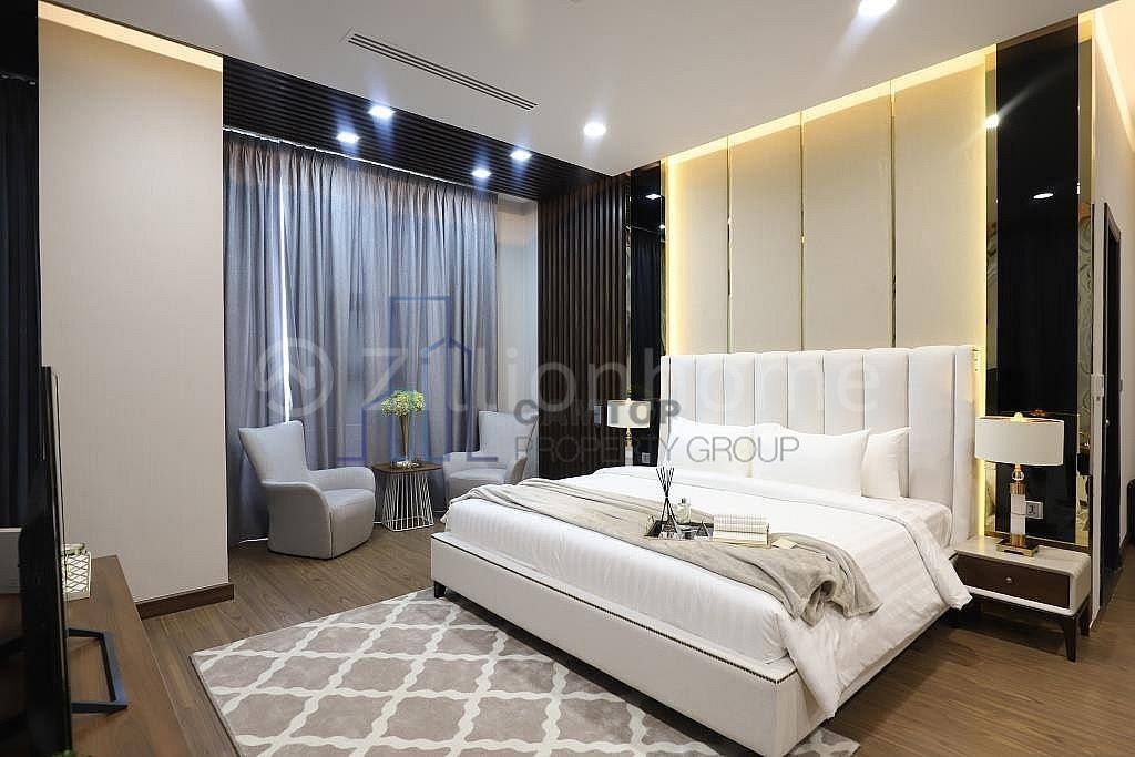 Luxury 3 Bedroom Penthouse for Rent now available in BKK2 with beautiful Pool, gym is available now.