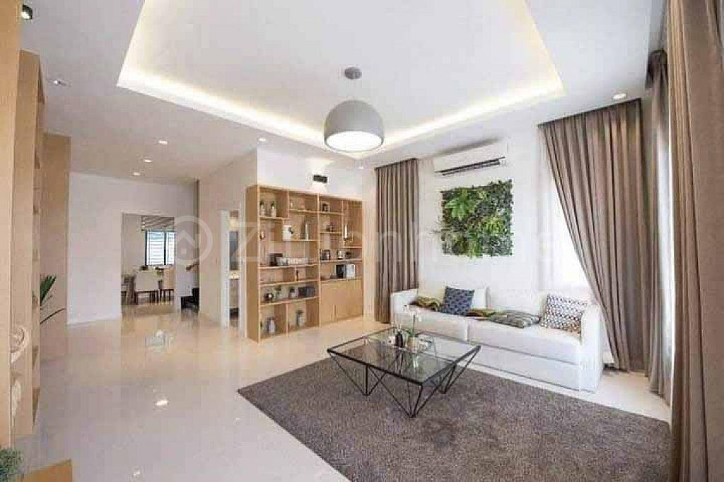 វីឡាភ្លោះលក់បន្ទាន់ក្នុង បុរី ARATA Garden Residence   (L-4423)