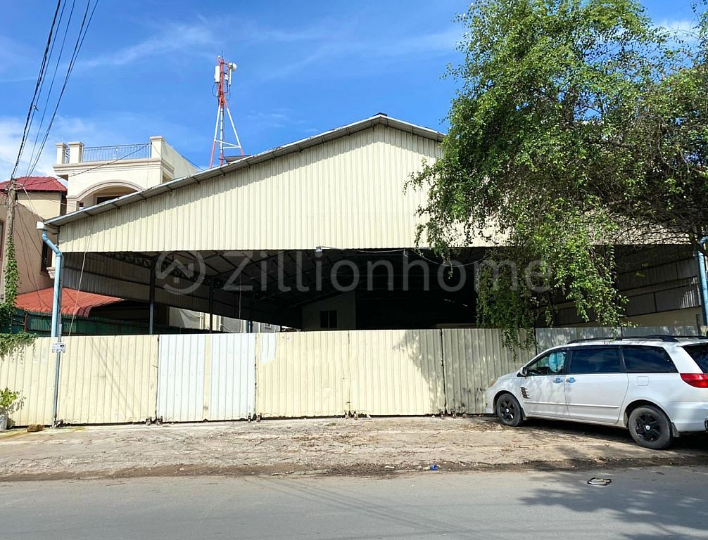 This is warehouse for rent at Toul Kork. (L-4828)