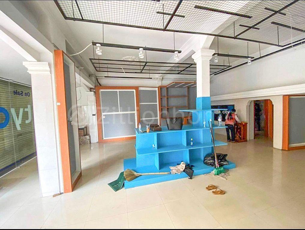 Shop for rent at st 208 Doun penh  (C-6344)