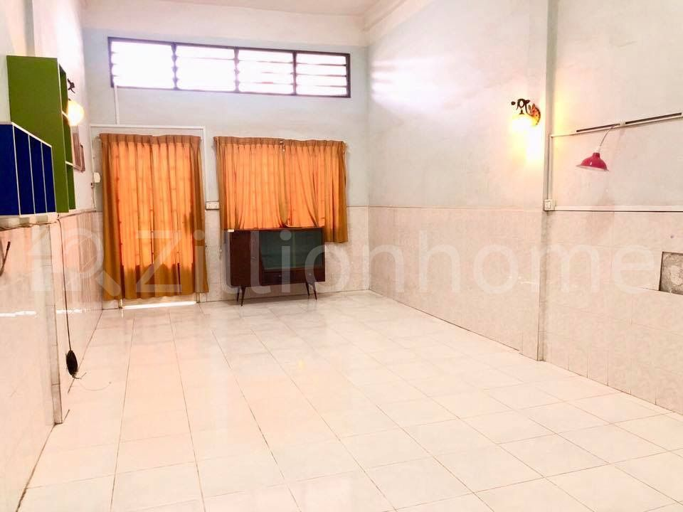 Flat For sale $350,000