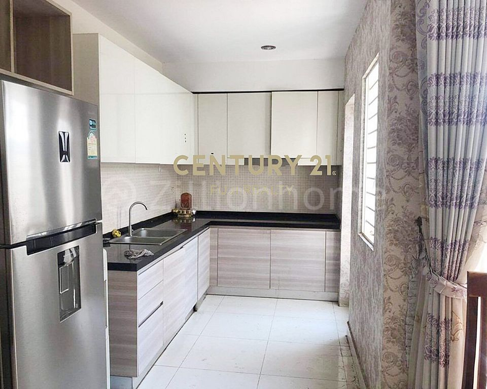 Link House New - LA For Sale