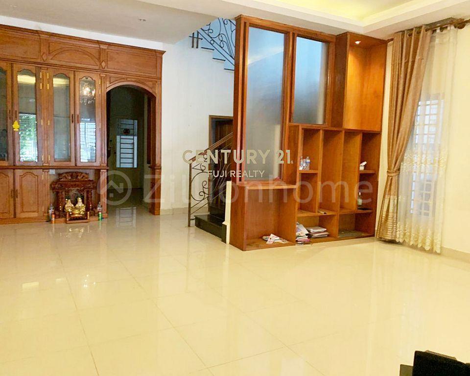 Twin villa for sale in New world sensok
