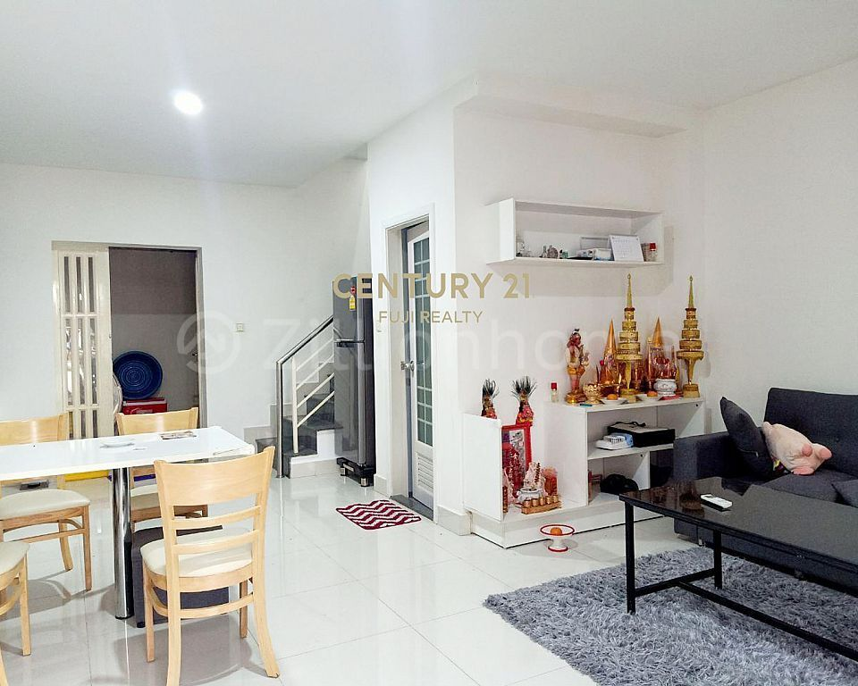 Link House LC1 for Sale Urgent
