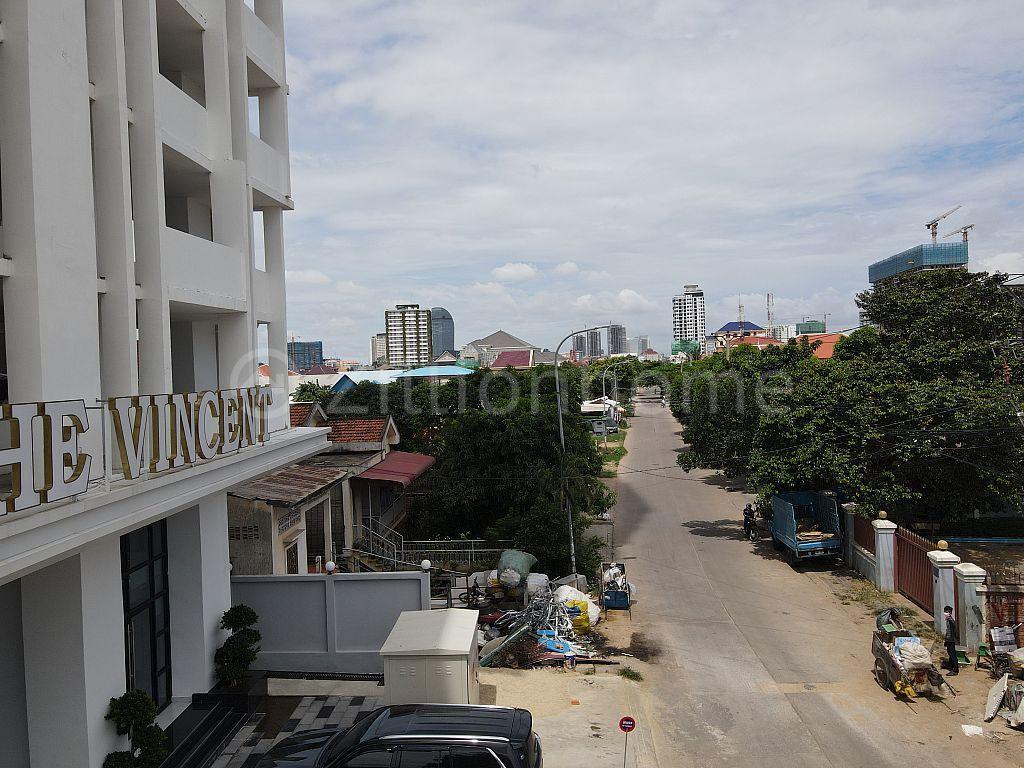 Condo SH for Urgent Sale near river