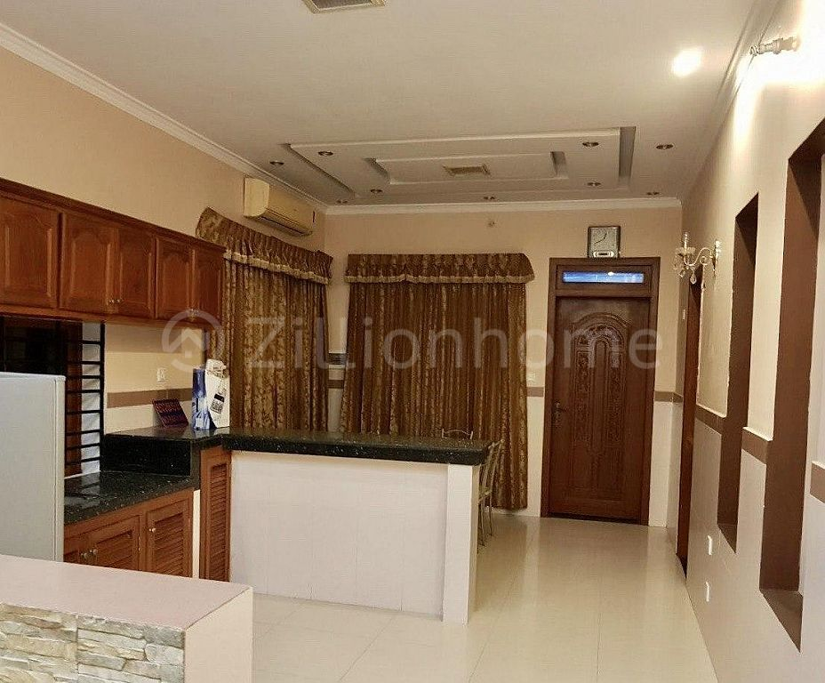 COMMERCIAL HOUSE IN TOUL TOMPOUNG AREA