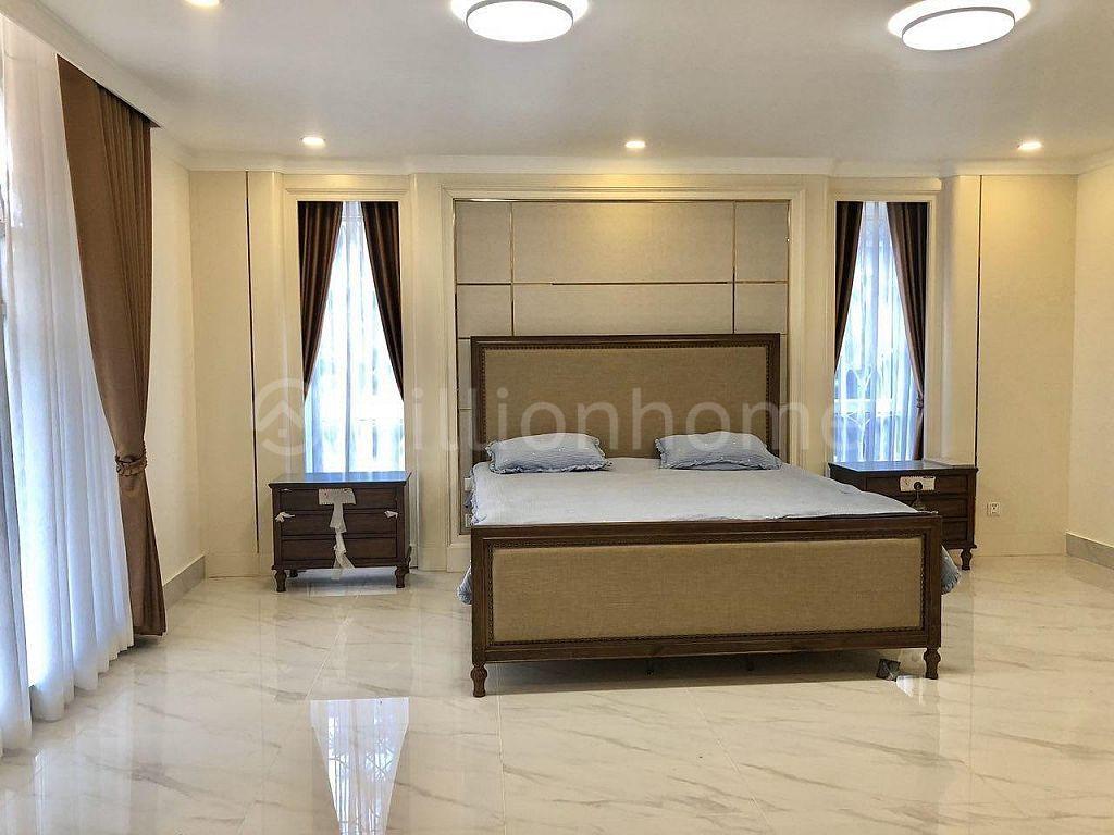 6 BEDROOM LUXURY PRINCE VILLA PENG HUOTH