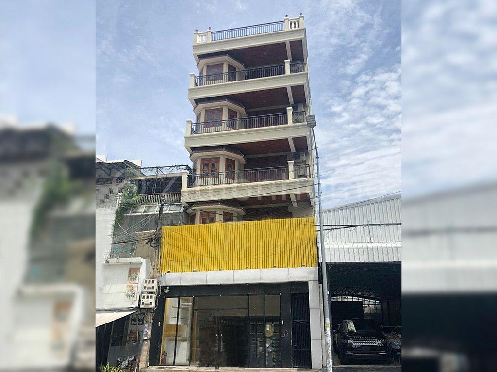 COMMERCIAL BUILDING IN DAUN PENH AREA