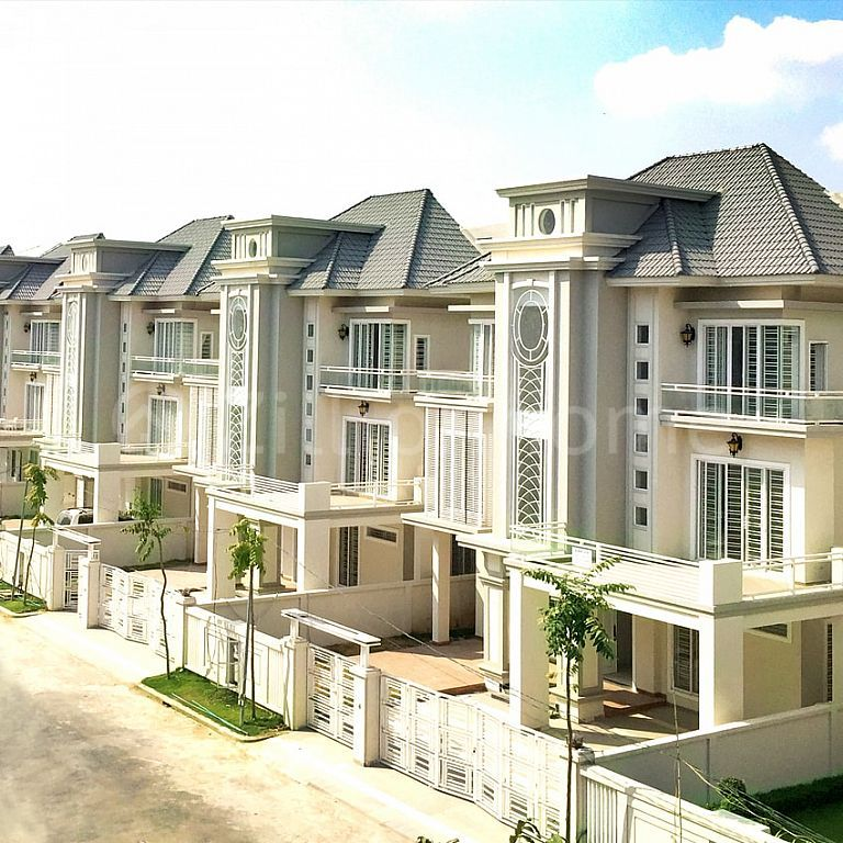 BRAND NEW - 8 BEDROOMS LUXURY QUEEN VILLA IN SEN SOK