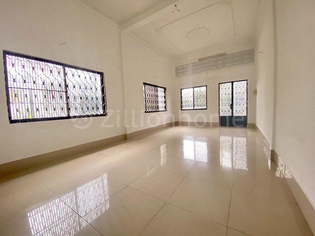 NEW SHOPHOUSE IN BKK1