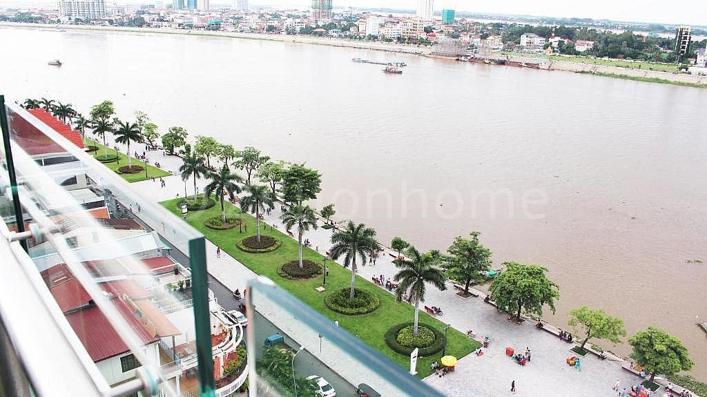 PHNOM PENH RIVERFRONT HOTEL FOR LEASE