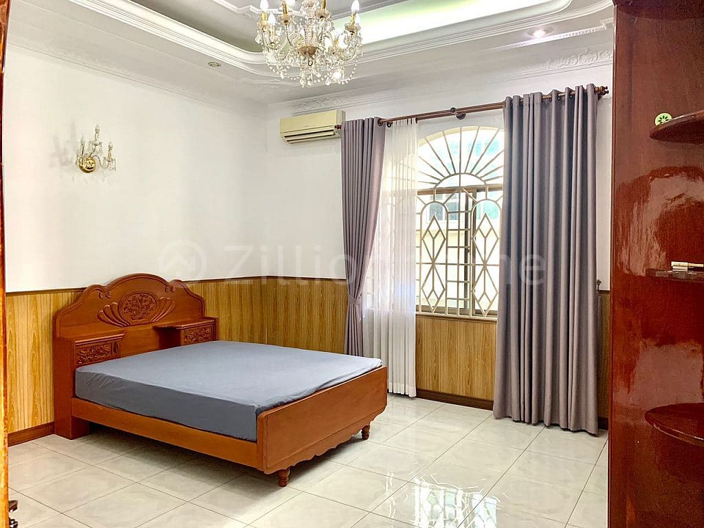 10 BEDROOMS COMMERCIAL VILLA IN DAUN PENH