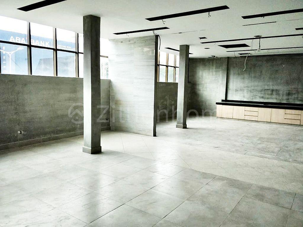 COMMERCIAL BUILDING IN CHAMKAR MON AREA