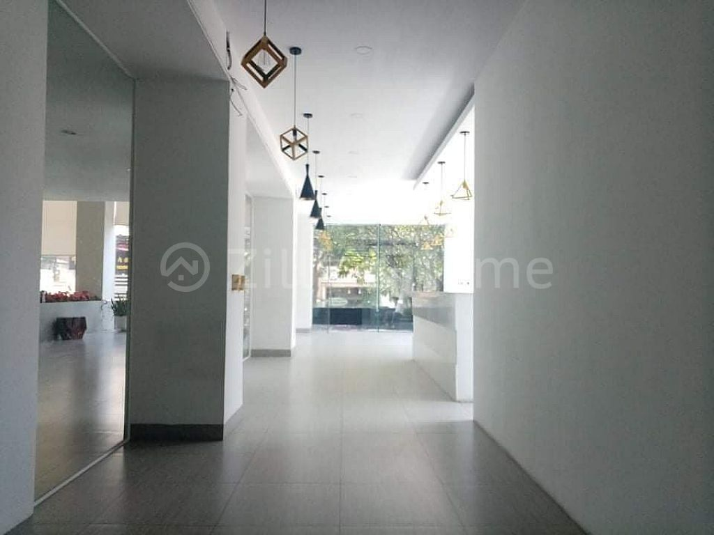 SPACIOUS GROUND FLOOR IN BKK1