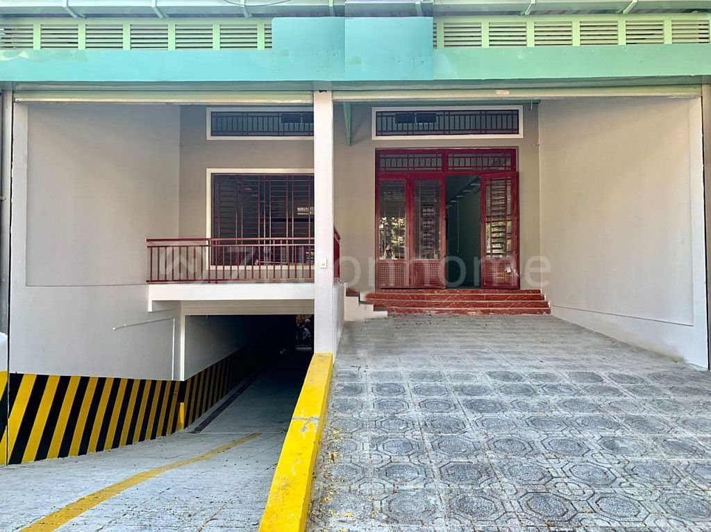 COMMERCIAL SHOPHOUSE IN MEAN CHEY