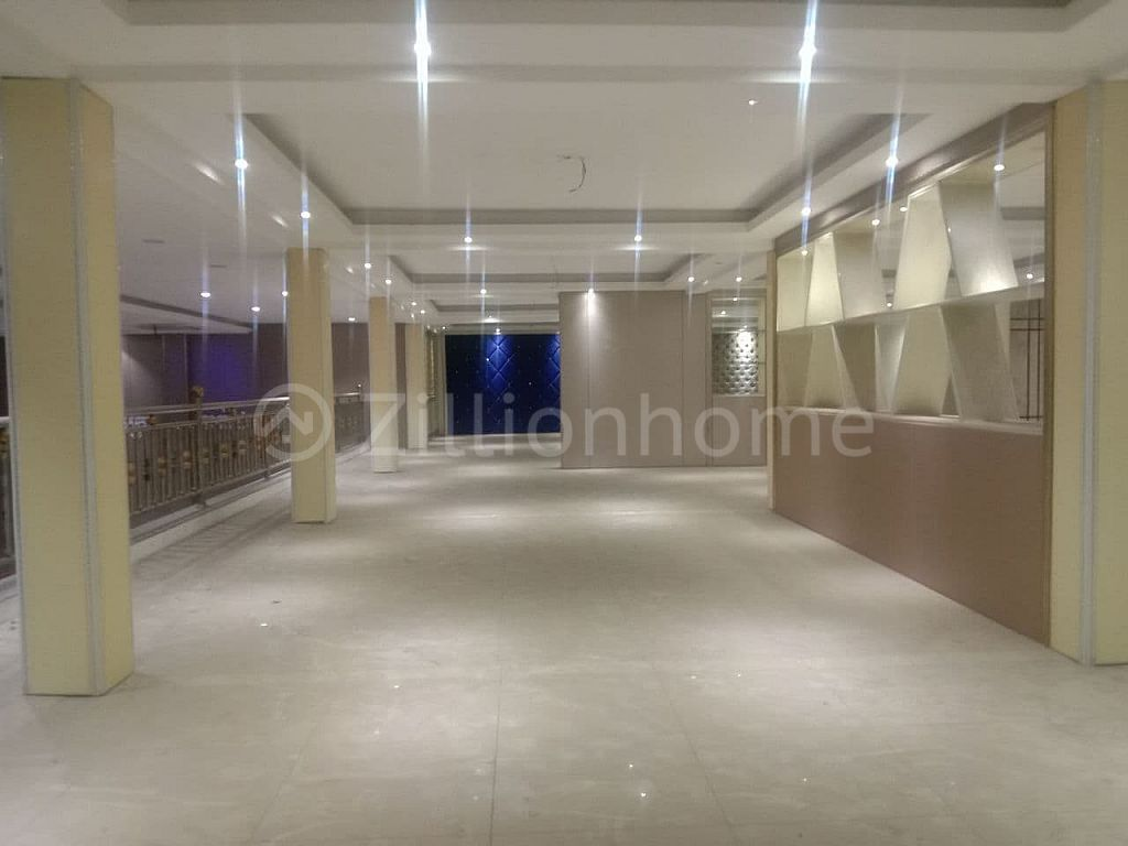 SPACIOUS COMMERCIAL BUILDING IN TUMNOB TUEK AREA