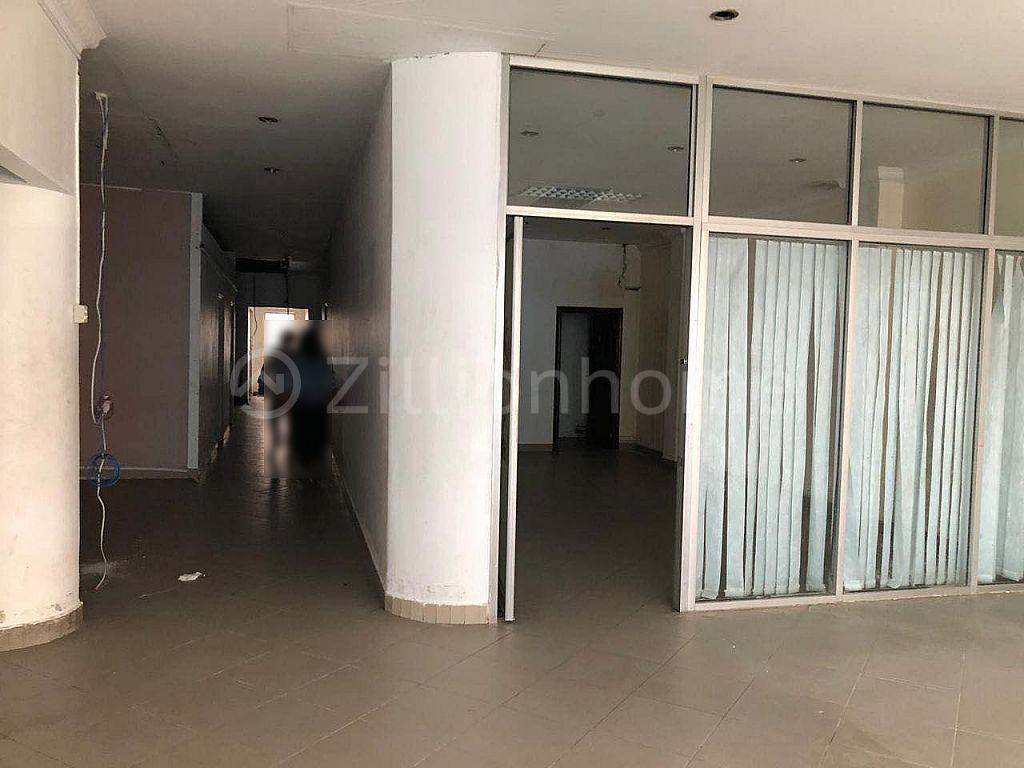 7 FLOORS BUILDING NEAR CENTRAL MARKET