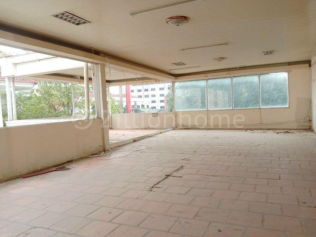 3 FLOORS COMMERCIAL BUILDING IN DAUN PENH