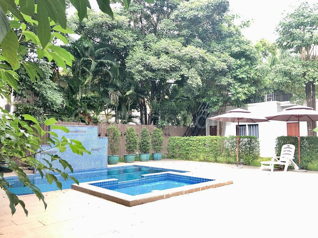 LUXURY VILLA IN BOREY NORTHBRIDGE SEN SOK