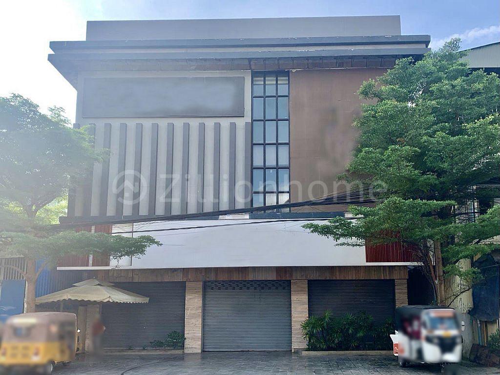 COMMERCIAL BUILDING BKK3