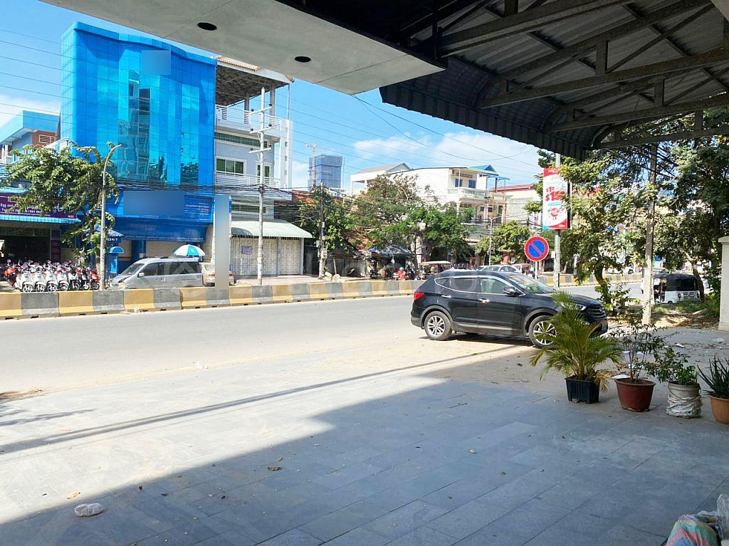 COMMERCIAL BUILDING IN CHAK ANGRE AREA