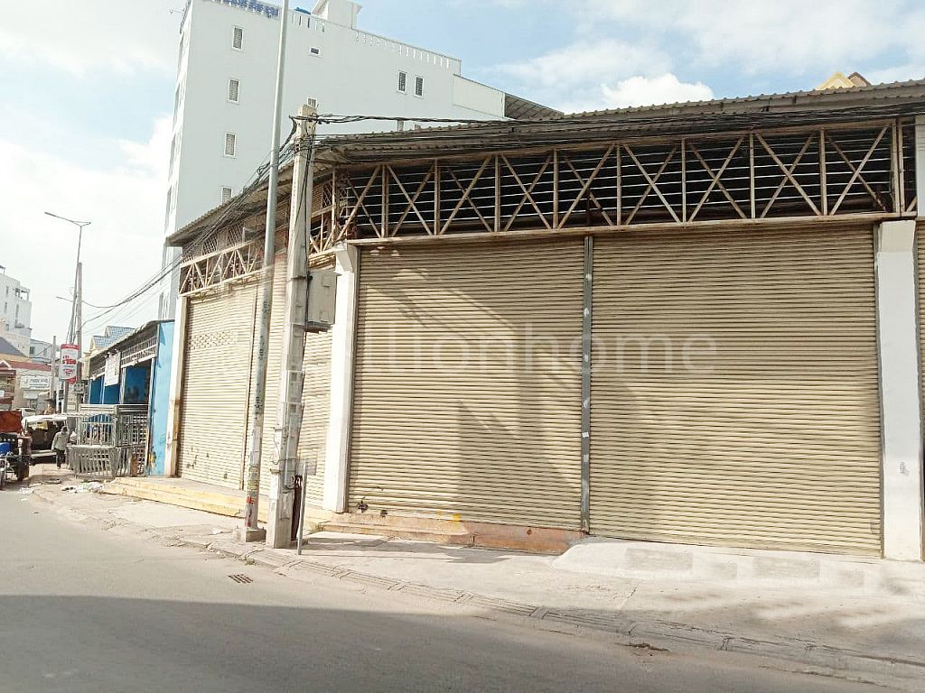 VILLA WITH COMMERCIAL SHOP IN TK