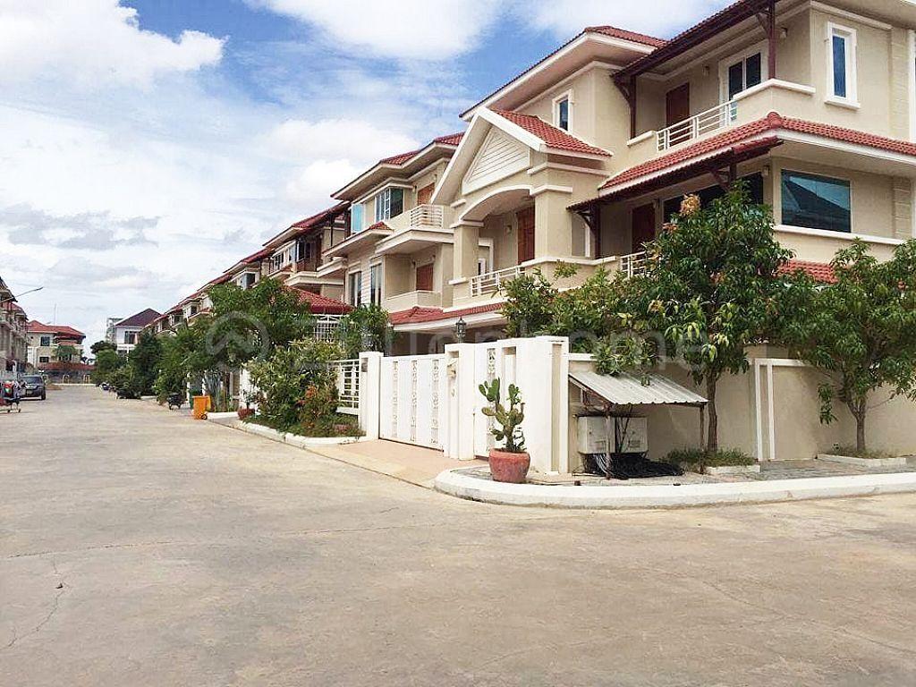 SUPERIOR VILLA IN BOREY VIMEAN PHNOM PENH