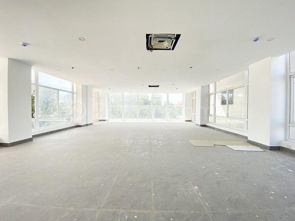 NEW COMMERCIAL BUILDING - TONLE BASSAC AREA