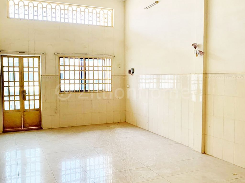 FLAT HOUSE AVAILABLE IN TEUK LAAK 3