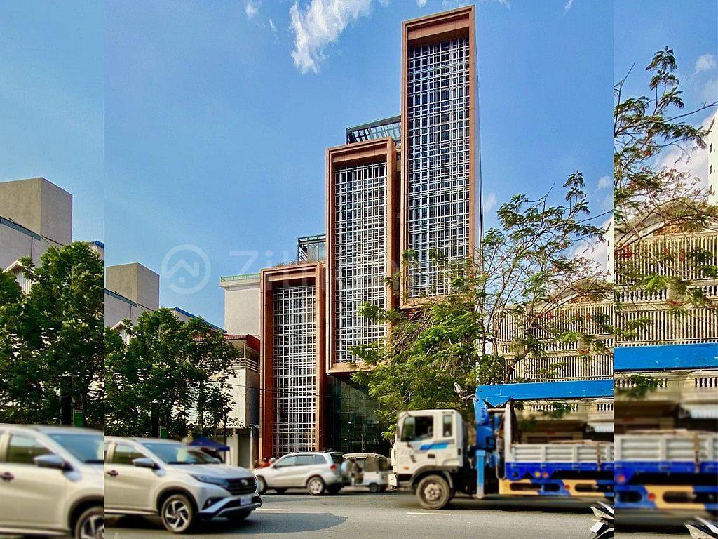 BRAND NEW BUILDING ALONG MAO TSE TOUNG BLVD.