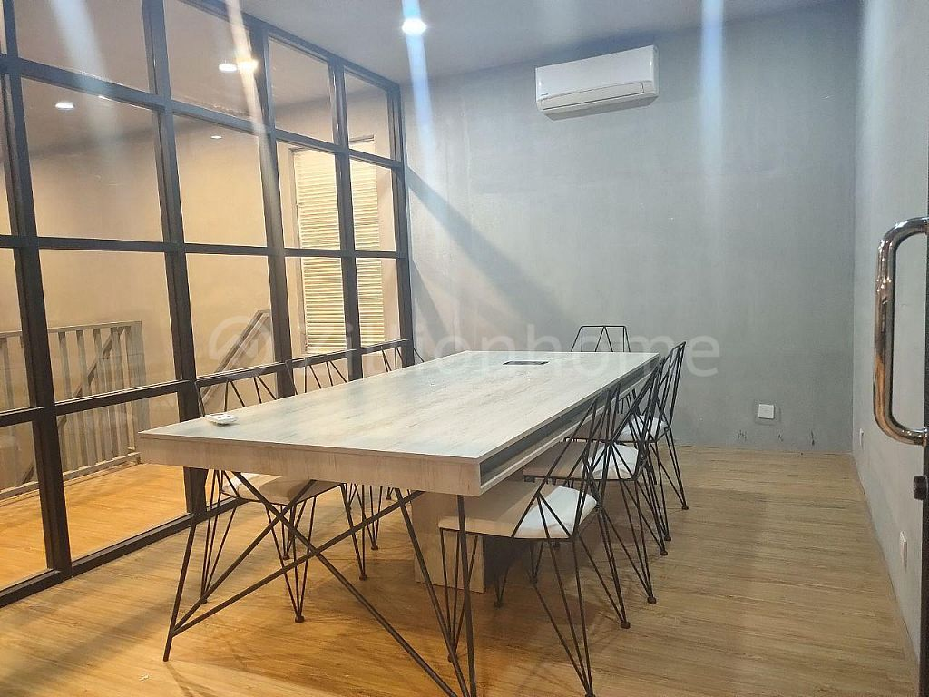 SERVICED OFFICE BUILDING SPACE AVAILABLE