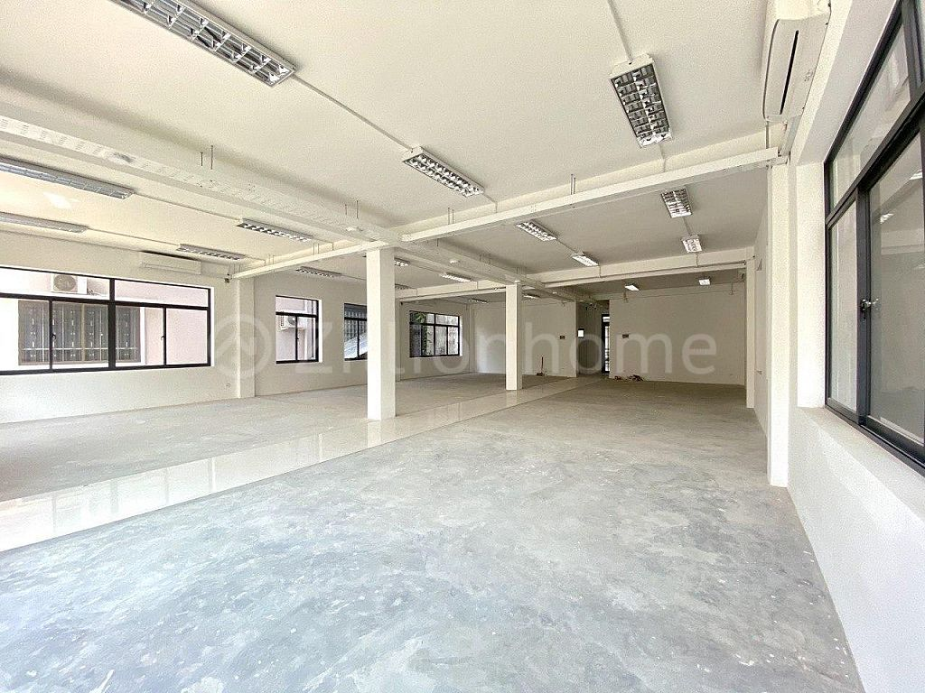 AVAILABLE OFFICE BUILDING IN TOUL TOMPOUNG 1
