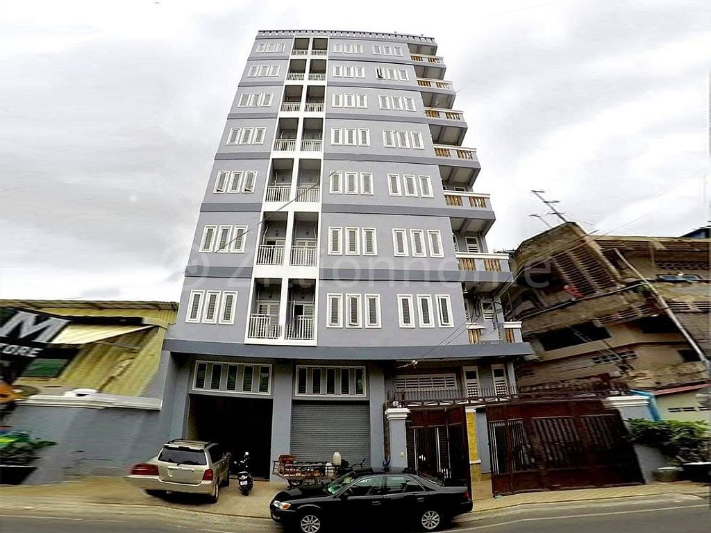 NEW APARTMENT BUILDING IN TOUL KORK