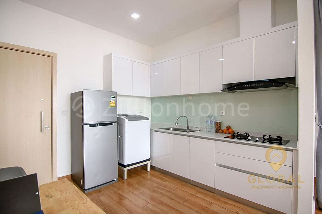 PS Crystal Condo for Urgently Sale