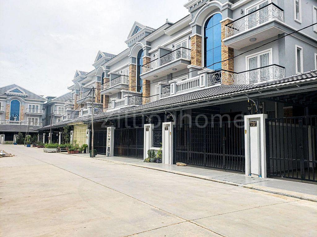 Hybrid villa for sale | Link House for Sale