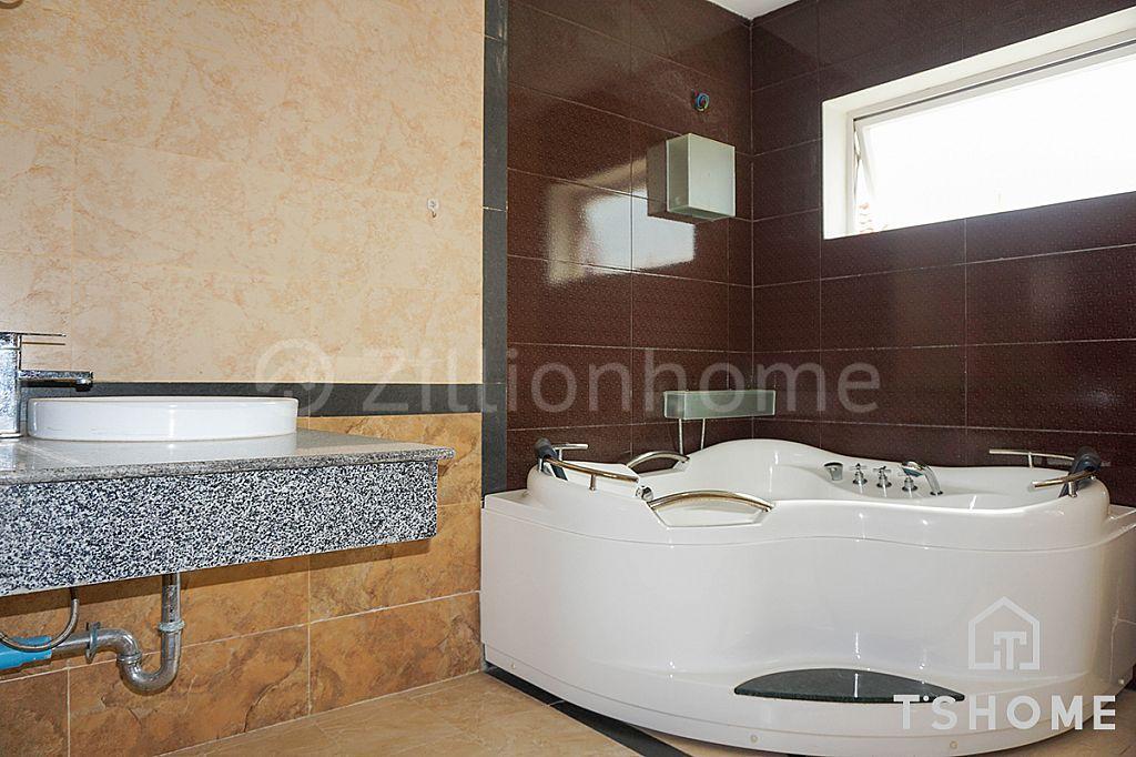 Amazing 2 Bedrooms Apartment for Rent in BKK1 130㎡ 1,200USD