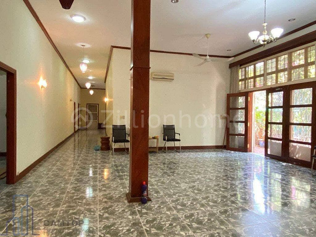 Colonial Villa With Swimming Pool For Rent Near Independence Monument