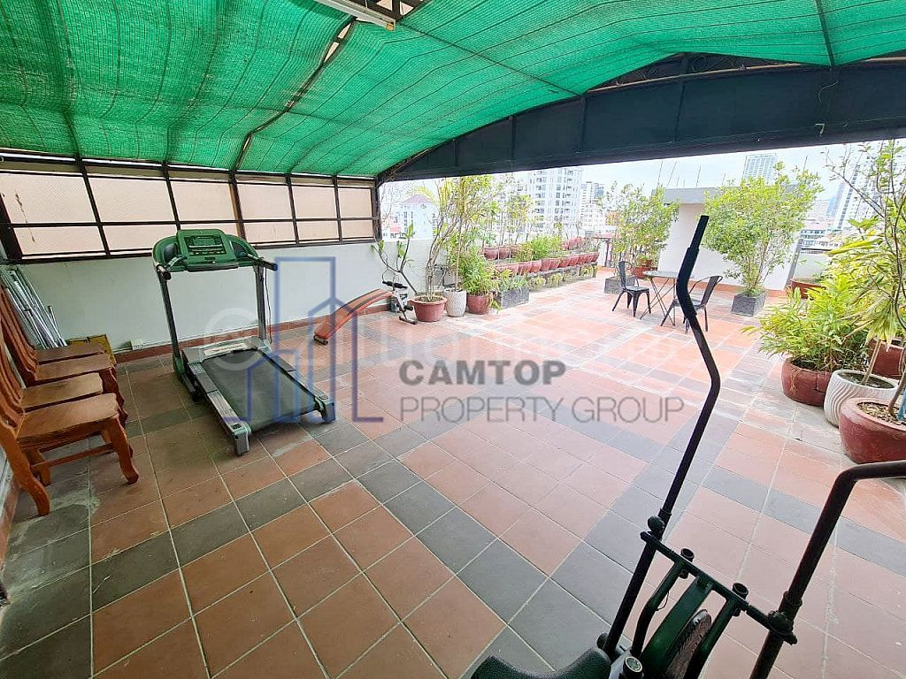 1BR | Western Apartment For Rent Close to Russian Market