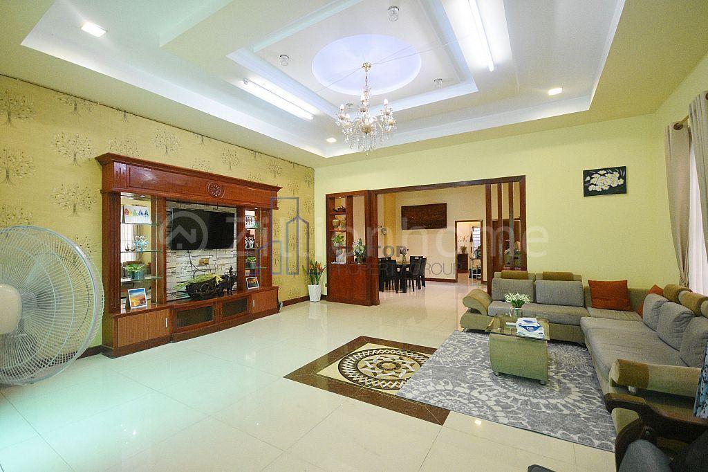 4 BEDROOMS VILLA FOR RENT NEAR AEON MALL2
