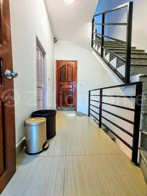BOREY CHAMKARMON HOUSE Sale (360000) Rent (1500)