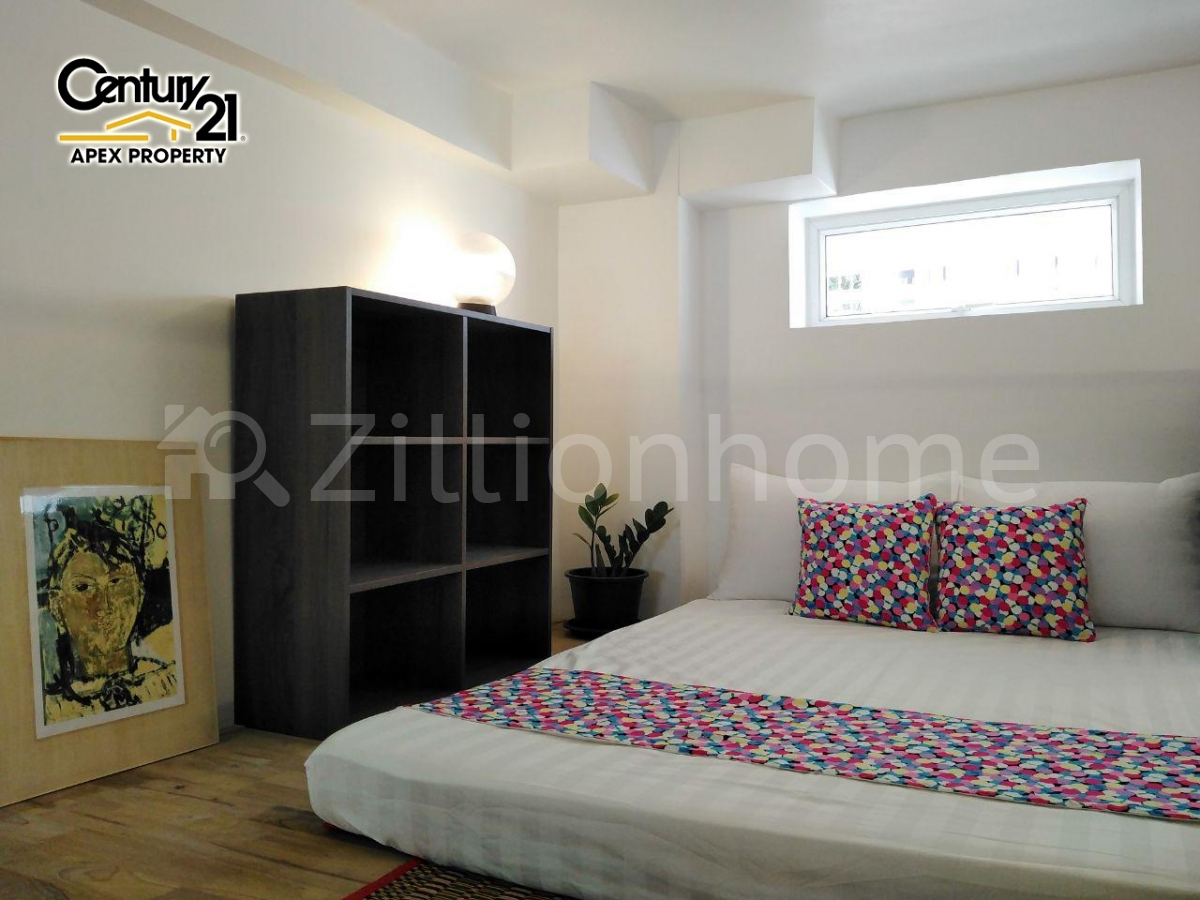 Loft Unit For Rent In Front Of Central Market